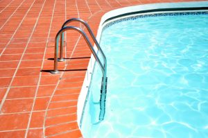 how to clean pool filter